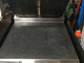 Taylor L820 / Burger maker/Clamp press - picture0' - Click to enlarge