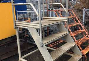 Aluminium 4 Step Mobile Platform Ladder On Castors