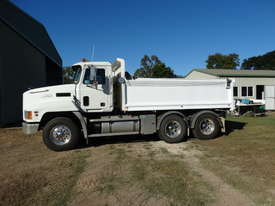 MACK TIP TRUCK CH SERIES  TRIDENT - picture0' - Click to enlarge