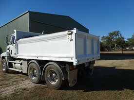 MACK TIP TRUCK CH SERIES  TRIDENT - picture3' - Click to enlarge