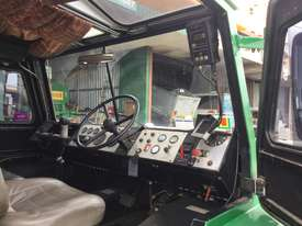 1990 Linmac AW2 12 12T Articulated Crane - picture7' - Click to enlarge