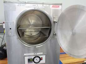 Vacuum Oven - picture5' - Click to enlarge