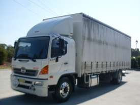 Hino GH 1728-500 Series Curtainsider Truck - picture0' - Click to enlarge