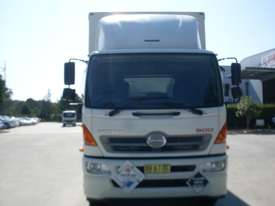 Hino GH 1728-500 Series Curtainsider Truck - picture2' - Click to enlarge
