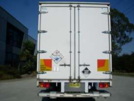 Hino GH 1728-500 Series Curtainsider Truck - picture4' - Click to enlarge