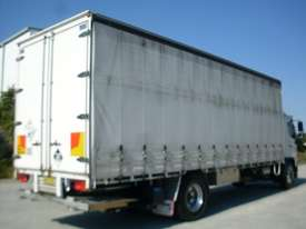 Hino GH 1728-500 Series Curtainsider Truck - picture5' - Click to enlarge