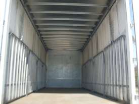 Hino GH 1728-500 Series Curtainsider Truck - picture6' - Click to enlarge