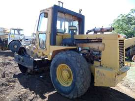 1995 Case Vibromax W1102H Padfoot Roller *CONDITIONS APPLY* - picture3' - Click to enlarge
