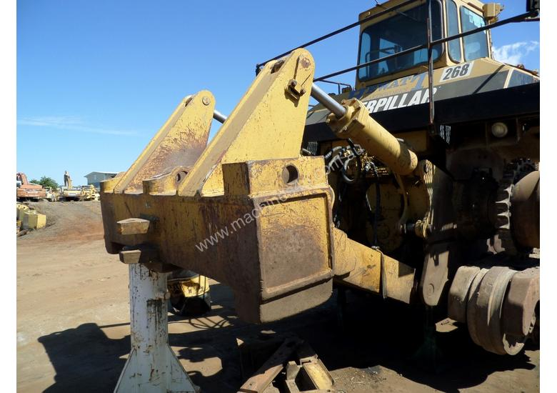 Wrecking 1981 Caterpillar D9L Dozer in TOOWOOMBA, QLD