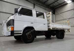 Mazda   T4100 Cab chassis Truck