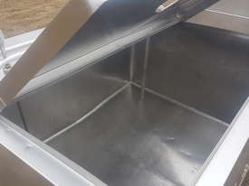 STAINLESS STEEL TANK, MILK VAT 900 LT - picture2' - Click to enlarge