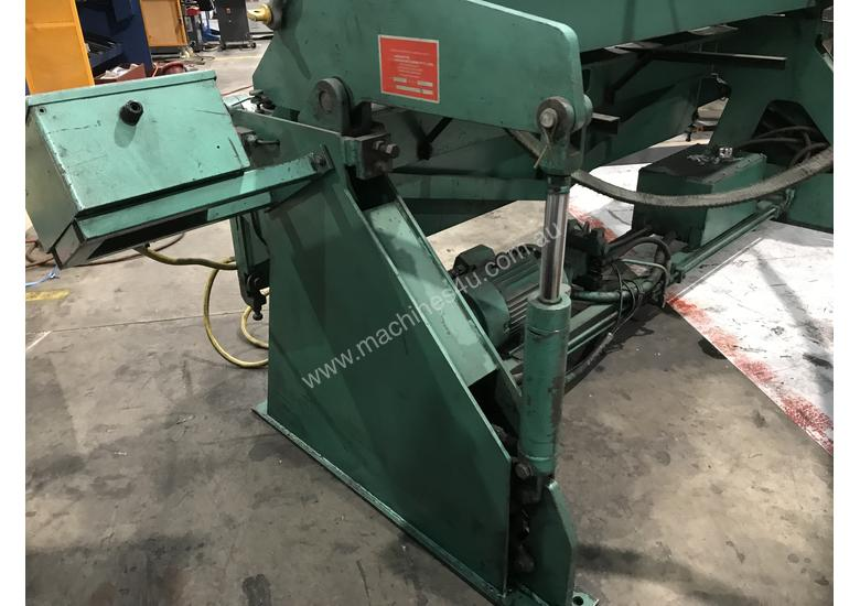 Aust Made 2500mm x 3mm Hydraulic Panbrake For Sale - 2 Sets Top Blades Included