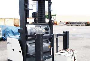 Crown   SP3520-30 Forklift