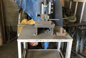 FLY PRESS / Screw Press