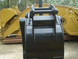 Labounty 30 Ton 5 Finger Manual Grapple - picture1' - Click to enlarge