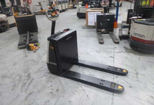 Crown Electric Pallet Movers WP2315