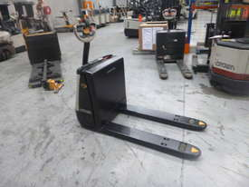 Crown Electric Pallet Movers WP2315 - picture0' - Click to enlarge