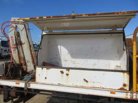 2001 Isuzu FSS 550 4x4  - picture2' - Click to enlarge