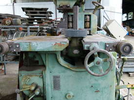 Working Robinson 48 inch Band Saw . - picture2' - Click to enlarge