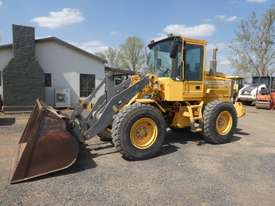 Volvo L50C Wheel Loader  - picture1' - Click to enlarge