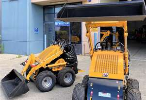 UHI 2020 Mini Loader U30 with GP bucket  400KG Loading Capacity