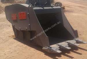 Vtn 2010   FB350 CRUSHER BUCKET