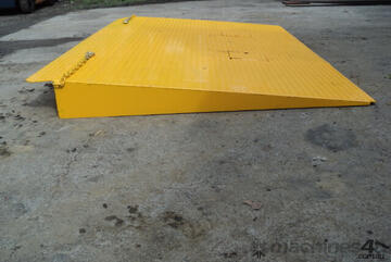 Container Ramp- : Short #A06(a)