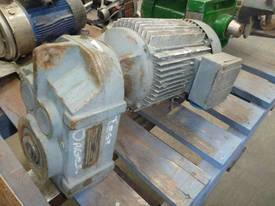 SEW EURODRIVE REDUCTION BOX MOTOR/ 64RPM - picture1' - Click to enlarge