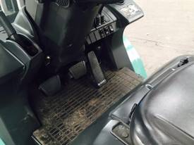 Used LPG Mitsubishi 3.5 tonne forklift - picture5' - Click to enlarge