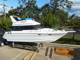 3058 Sports Cruiser Motoryacht - 6 Birth