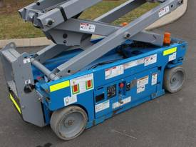 2012 Genie GS1932 - Narrow Electric Scissor Lift - picture4' - Click to enlarge