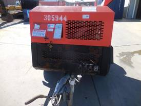 INGERSOLL-RAND 7/71 270CFM MOBILE DIESEL AIR COMPRESSOR - picture6' - Click to enlarge