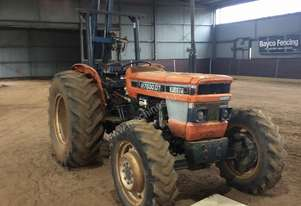 Kubota M7500DT with Lyco Post Driver