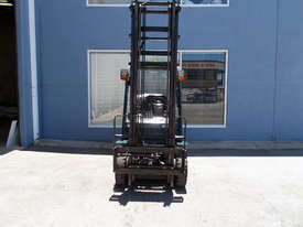 Toyota 2500 kg LPG Forklift - picture1' - Click to enlarge