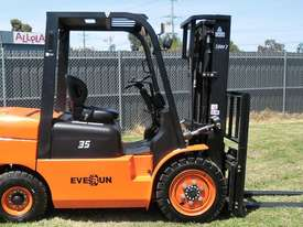 Everun Australia FD35 - 3500kg Capacity Diesel Forklift  - picture0' - Click to enlarge