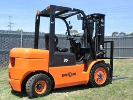 Everun Australia FD35 - 3500kg Capacity Diesel Forklift  - picture2' - Click to enlarge