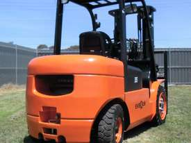 Everun FD35 - 3500kg Capacity Diesel Forklift  - picture3' - Click to enlarge