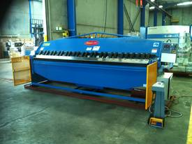Aussie Designed 4000mm X 4mm Hydraulic - picture13' - Click to enlarge