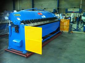 Aussie Designed 4000mm X 4mm Hydraulic - picture3' - Click to enlarge