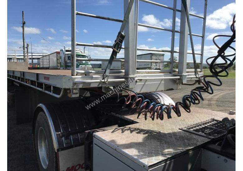 Moore Semi Flat top Trailer