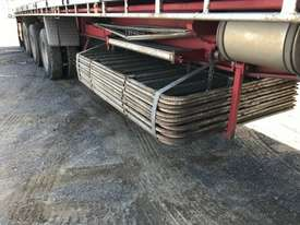 Moore Semi Flat top Trailer - picture2' - Click to enlarge