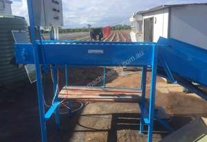 Fruit sorting and Bin tipping machine