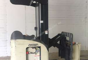 Crown   RR5210 FORKLIFT