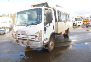 2014 Isuzu NPS300 4x4 Off Road 16 Seater Tour Bus