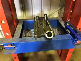 Broaching Press - picture3' - Click to enlarge