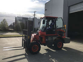 2018 Summit 3 Tonne 4WD Rough Terrain Forklift with  3 Stage 4.5 meter Mast - picture6' - Click to enlarge