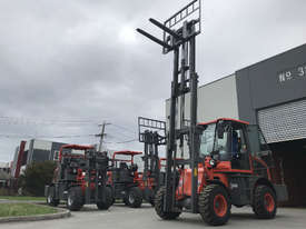2018 Summit 3 Tonne 4WD Rough Terrain Forklift with  3 Stage 4.5 meter Mast - picture0' - Click to enlarge