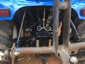 New Holland Boomer 1030 FWA/4WD Tractor - picture5' - Click to enlarge