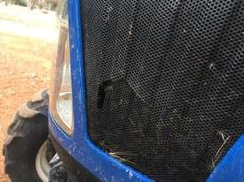 New Holland Boomer 1030 FWA/4WD Tractor - picture9' - Click to enlarge