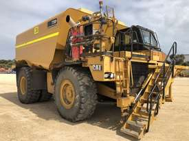 Caterpillar 773D Water Truck - picture1' - Click to enlarge